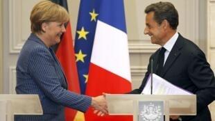 El presidente Nicolas Sarkozy y la canciller Angela Merkel se reunieron en París el 16 de agosto de 2011 con el fin de encontrar una salida a la crisis  financiera que se vive en la zona euro.