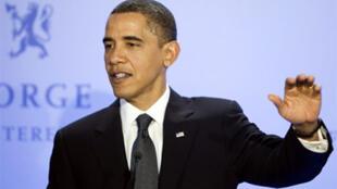 Barack Obama pendant sa conférence de presse, après la remise de son Nobel à Oslo.