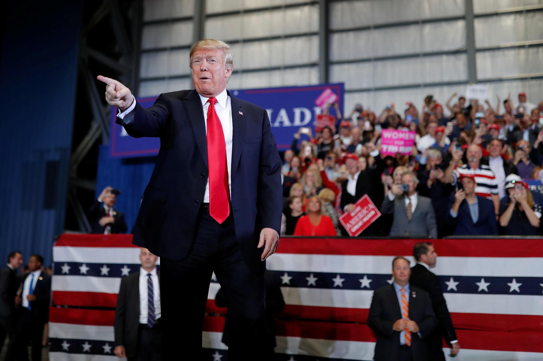 Tổng thống Mỹ Donald Trump vận động tranh cử tại phi trường quốc tế Pensacola, Florida ngày03/11/2018.