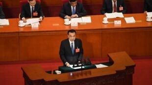 Parmi les grands enjeux de cette session parlementaire post-coronavirus: la relance de l'économie et la question très sensible de l'emploi et notamment l'émission d'un emprunt d'État de 1000 milliards de yuans annoncé par le Premier ministre.