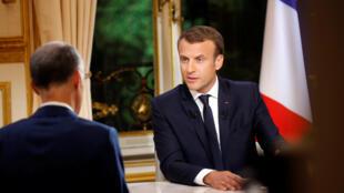 Emmanuel Macron trong buổi phỏng vấn truyền hình tại điện Elysée, ngày 15/10/2017.