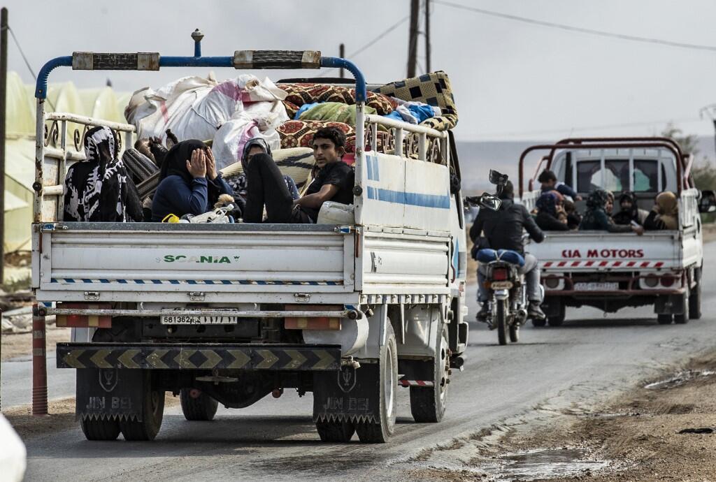نیروهای کرد سوریه روز یکشنبه۲۰ اکتبر از شهر مرزی رأس العین که در محاصره ارتش ترکیه  قرار دارد، عقب نشینی کردند.
