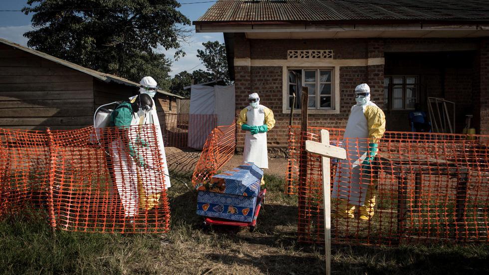 Jami'an lafiyar da ke kula da masu cutar Ebola a Jamhuriyar Dimokaradiyar Congo.
