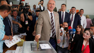 Opposition candidate Muharrem Ince casts his vote on Sunday