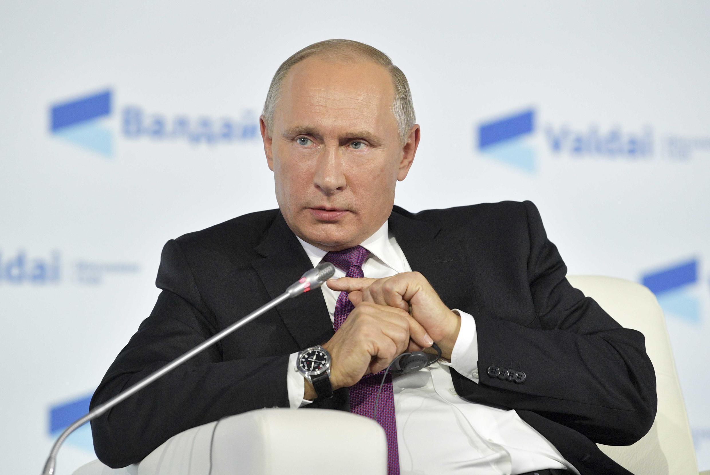 Президент России Владимир Путин в Сочи, 19 октября 2017.