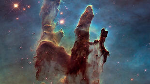 «Les piliers de la création», surnom de la nébuleuse de l'Aigle.
