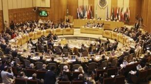 Os países-membros da Liga Árabe, reunidos no Cairo, reconheceram nesta segunda-feira (12) a Coalizão Nacional Síria das Forças de Oposição.