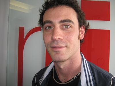 Micael Queiroz en RFI.