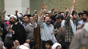 برهم زنندگان جلسه سخنرانی علی لاریجانی در قم