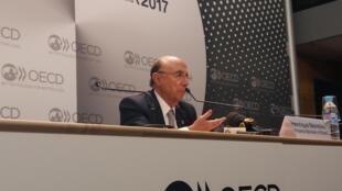 Ministro brasileño de Hacienda, Henrique Meirelles en la OCDE