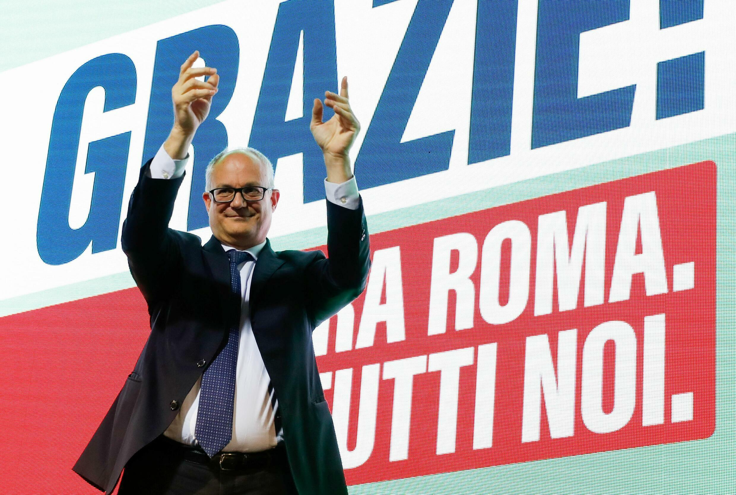 2021-10-18T144857Z_286825185_RC2ECQ9WRUWH_RTRMADP_3_ITALY-POLITICS-ELECTIONS