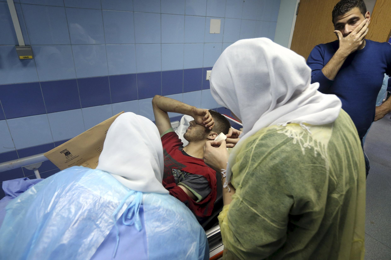 Un blessé dans un hôpital de Beyrouth après le double attentat-suicide du 12 novembre 2015.