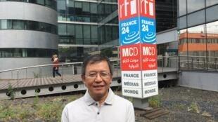 Ông Phạm Minh Hoàng, một nhà tranh đấu cho dân chủ tại Việt Nam. Ảnh chụp trước trụ sở của đài RFI, ngày 27/06/2017.