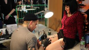 La qualité d'un tatouage repose aussi sur la confiance entre tatoueur et tatoué(e).