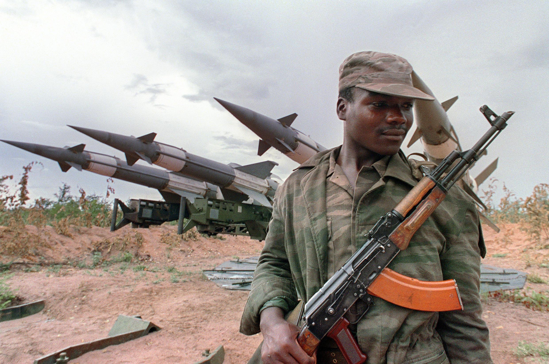 Un soldat angolais en 1988.