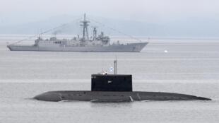 Tàu ngầm Nga tham gia cuộc tập trận ở Vladivostock ngày 05/07/2013.