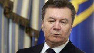 Viktor Yanukovitch, deposto no sábado, declarou nesta quinta-feira (27) ser o legítimo presidente da Ucrânia.
