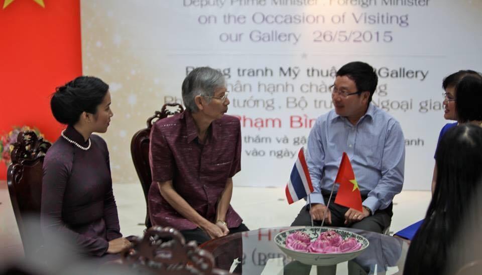 Nhà sưu tập người Thái Lan Tira Vanichtheeranont và ông Phạm Bình Minh