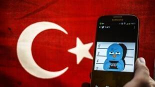 Le régime d'Erdogan a arrêté un jeune «twittos», l'accusant d'avoir «insulté» le président.