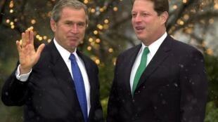 George W. Bush et Al Gore à la Maison Blanche, le 19 décembre 2000.