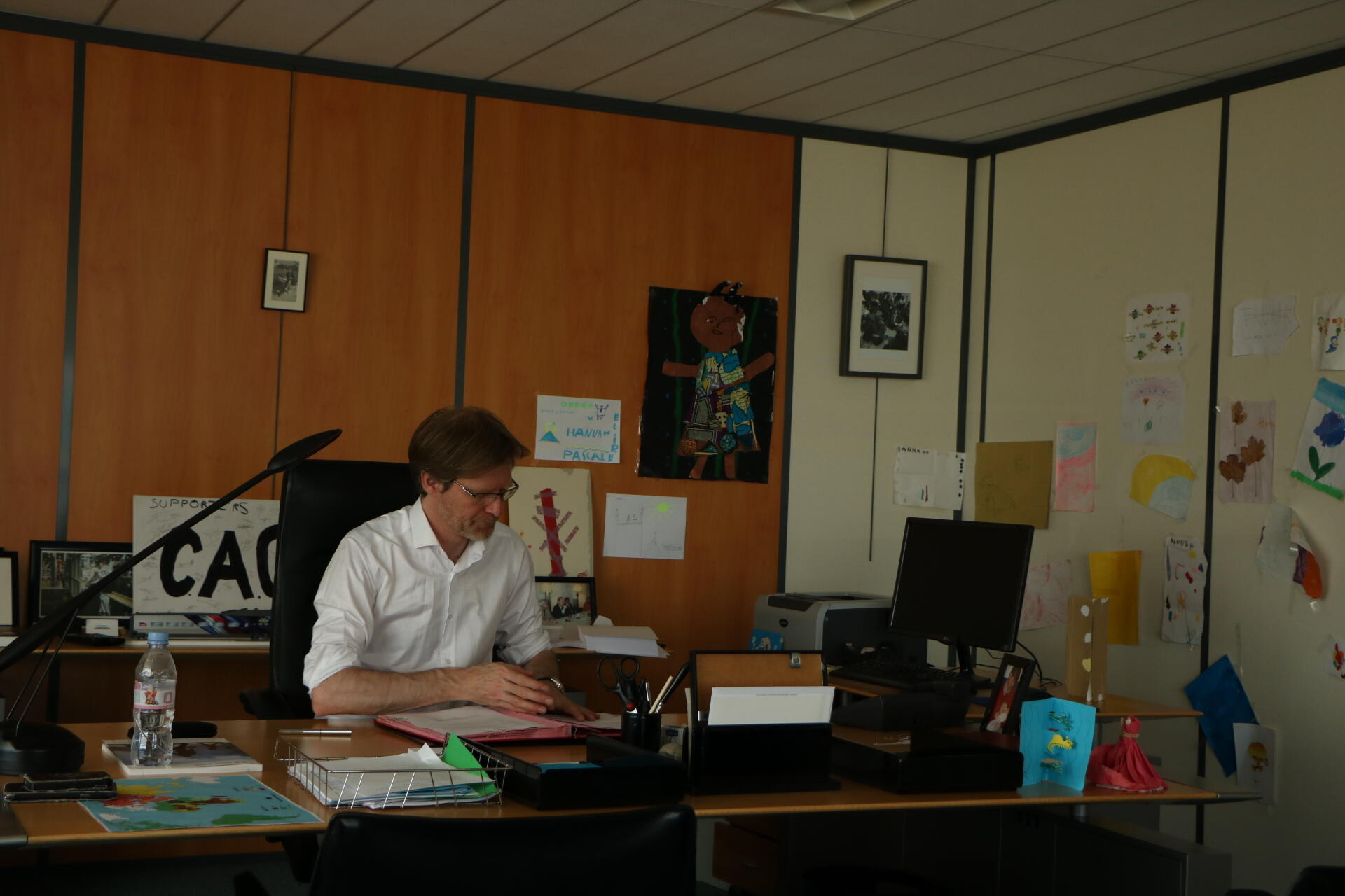 Pascal Brice, ici dans son bureau de Fontenay-sous-Bois le 19 juin 2017, est directeur général de l'OFPRA depuis 2012.