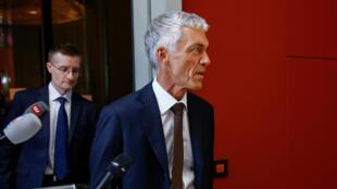 Le procureur Michael Lauber se rend devant la commission judiciaire du Parlement suisse à Berne, le 20 mai 2020.