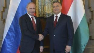 Thủ tướng Hungary Viktor Orban (P) tiếp Tổng thống Nga Vladimir Putin, Budapest, 17/02/2015