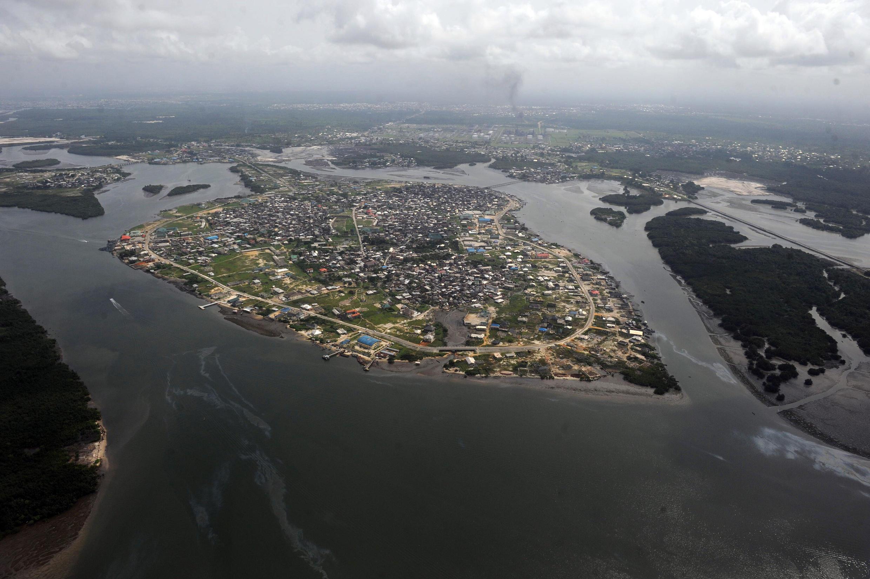 Vue aérienne du delta du Niger; sabotages et les avaries se sont multipliées la semaine dernière sur les installations pétrolières.