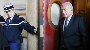Dominique Strauss-Kahn au palais de justice de Paris le 26 février 2013.