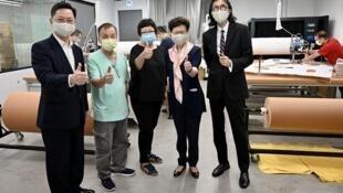 特首林郑月娥访问口罩工场时被揭发疑似政府私相授受酬庸亲政府商家丑闻。