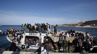 Нелегальные иммигранты на Мальте (218 человек из Эритреи, Эфиопии и Судана)