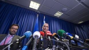 Ministro das Finanças grego, Yanis Varoufakis neste sábado (27), em Bruxelas.