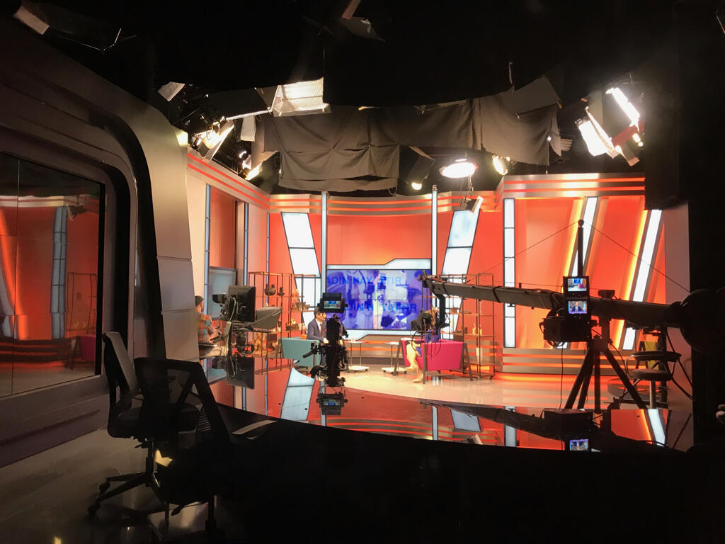 Le studio de la rédaction de Woman TV à Istanbul.