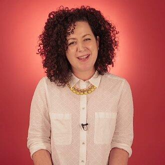 Журналистка Мириам Элдер