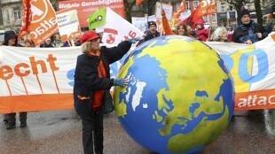 Người biểu tình chống toàn cầu hóa tại Baden-Baden Đức nhân hội nghị các bộ trưởng Tài Chính nhóm nước G20, ngày 18/03/2017.