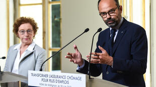 Labour minister Muriel Penicaud alongside Edouard Philippe at the relaunch of the government's unemployment benefit reforms.