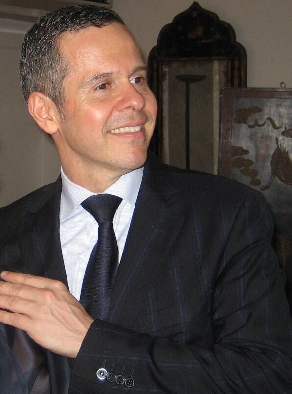 O gemólogo e conferecista Rafael Lupo Medina.