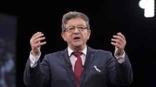 Лидер французских крайне-левых Жан-Люк Меланшон извинился перед представителями чеченской общины за свои высказывания о том, что во Франции есть «проблемы с чеченским сообществом».