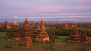 A cidade de Bagan, um dos sítios arqueológicos mais importantes de Mianmar.