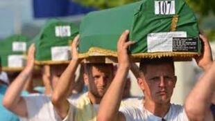 波黑紀念斯雷布雷尼察大屠殺17周年