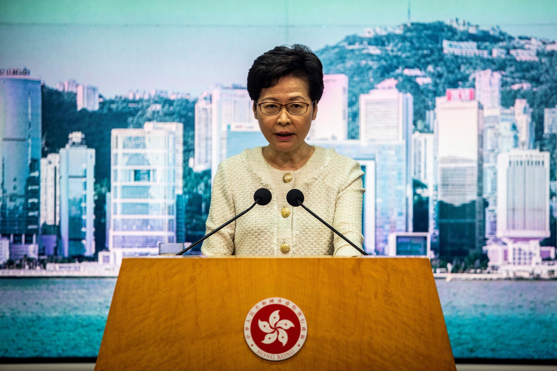 """El martes, la jefa del ejecutivo de Hong Kong, Carrie Lam, defendió la nueva ley de seguridad china, que se comprometió a """"aplicar enérgicamente"""", creyendo que ayudaría a restaurar la estabilidad del país."""