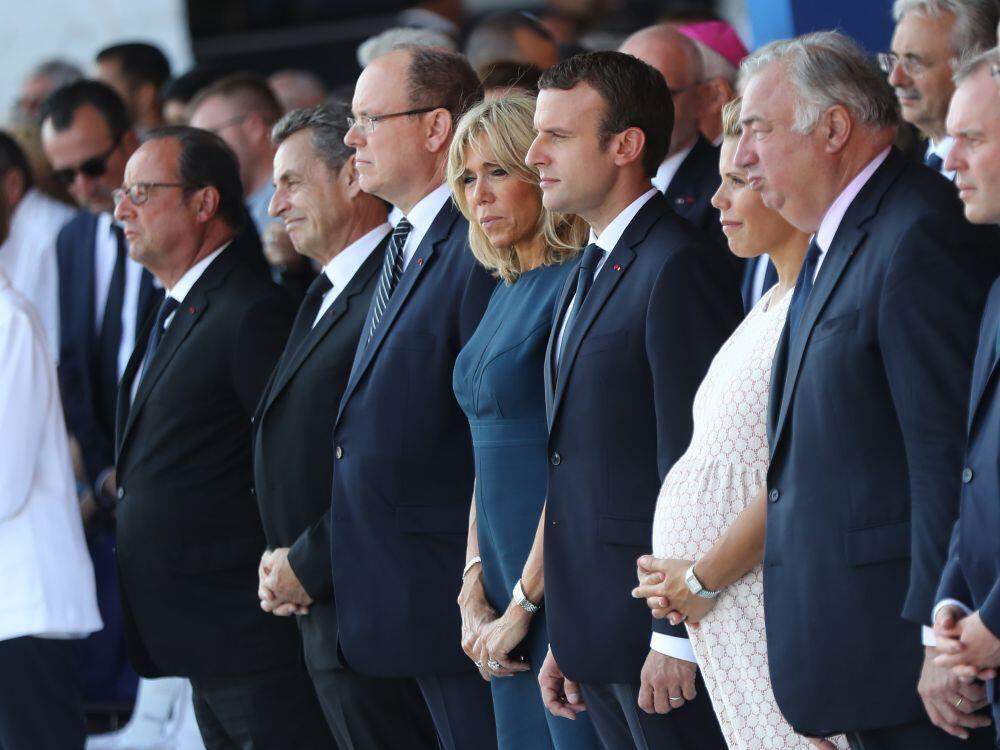 François Hollande, Nicolas Sarkozy, Emmanul Macron e outras personalidades na homenagem às vítimas de Nice, dia 14 de Julho de 2017