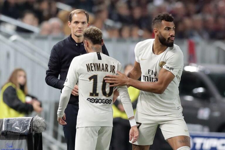 Sous le regard de son entraîneur, Thomas Tuchel, Eric Choupo-Moting remplace Neymar lors du match Bordeaux-PSG, le 2 décembre 2018.