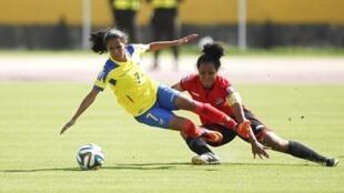 L'Equatorienne Margarita Barre (gauche) participera au Mondial féminin 2015 au Canada.