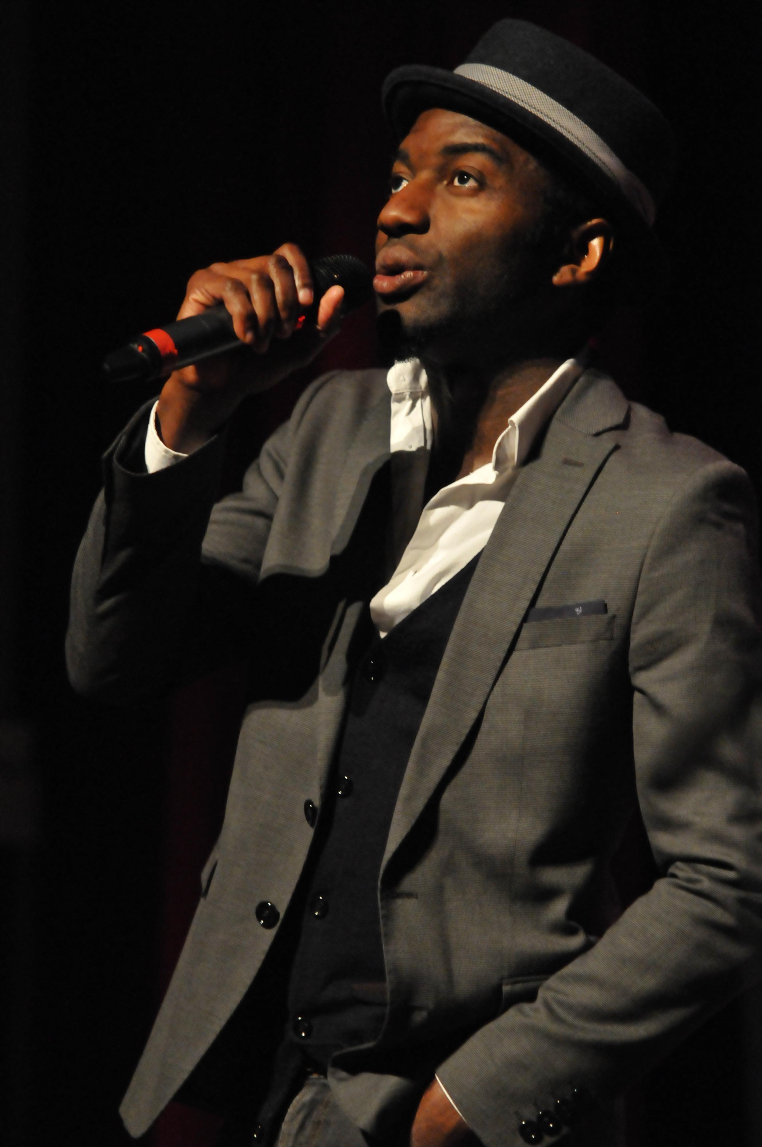 Marc Alexandre Oho Bambe, né en 1978 à Douala au Cameroun, slameur et écrivain, vient de publier «Résidents de la République».