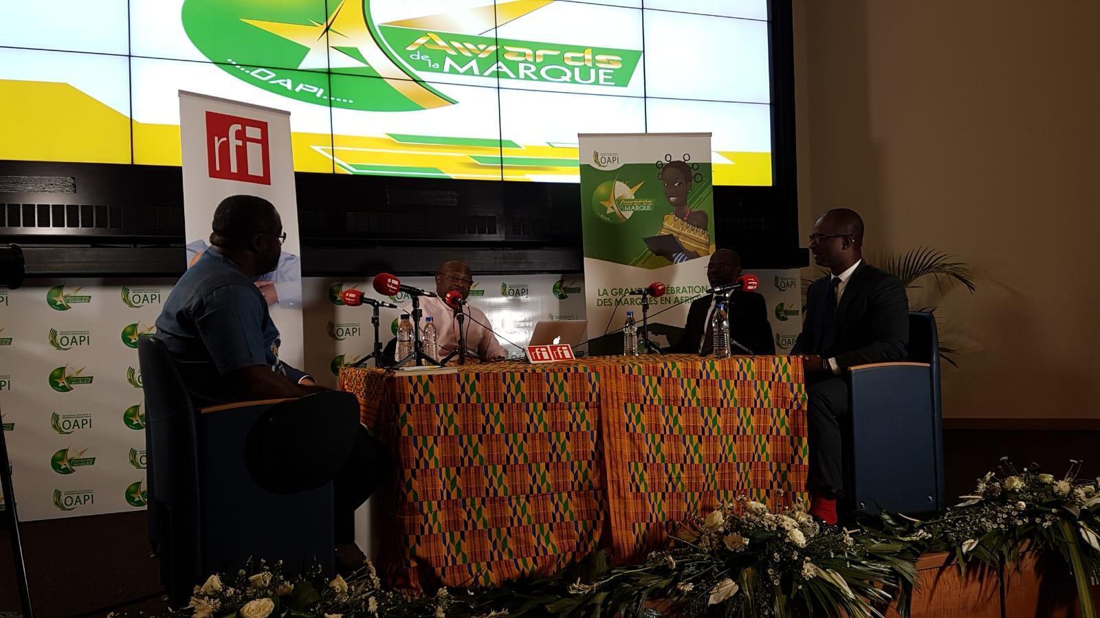Stanislas Zeze, Freddy Tchala, Deni Bohoussou et Alain Foka lors des Awards de l'OAPI, Abidjan, avril 2019