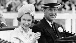 Hoàng thân Philip và nữ hoàng Elizabeth, ảnh tư liệu chụp ngày 19/06/1962.