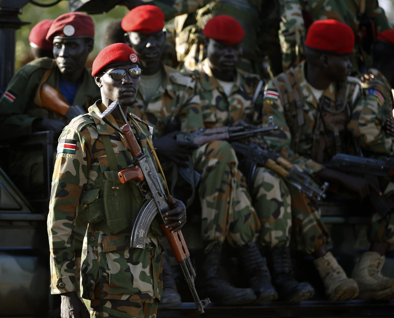 Des soldats sud-soudanais à Juba, le 20 décembre 2013.