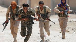 YPG yapambana katika mita ya Raqqa, Julai 3, 2017.