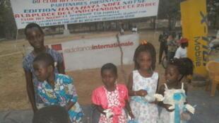 Noël des enfants avec le Club RFI Notsé (Togo).